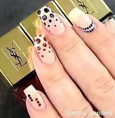 Anziehsachen Wunderschönes Nageldesign Hair Straightening Tips and Tools Women from all walks of lif Dot Nail Art, Polka Dot Nails, Nail Art Diy, Diy Nails, Cute Nails, Pretty Nails, Hallographic Nails, Nail Nail, Dot Nail Designs