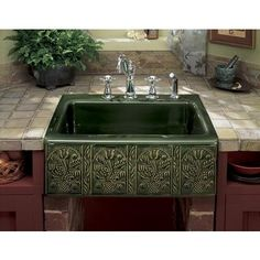 love an interesting sink.  This pattern is based on Hungarian folk art.