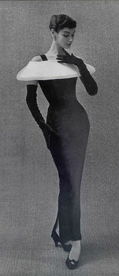 Black bodycon vintage dress with structural white collar by Hubert de Givenchy Vintage Outfits, Vintage Gowns, 1950s Style, Moda Vintage, Vintage Mode, Retro, Fifties Fashion, French Fashion Designers, Vintage Fashion Photography