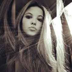 ❤a Luz que me guia é bem mais forte do que os olhares que me cercam ❤ Julia Gomes, Long Hair Styles, Face, Photography, Beauty, Beautiful, Girls, Belle, Female Actresses