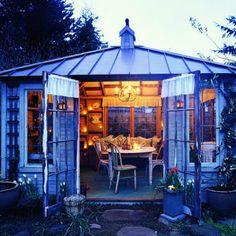 Summer living room - Favorite Backyard Sheds  - Sunset