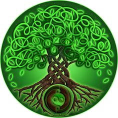 Circle Celtic Tree of Life / green / air element / heart chakra
