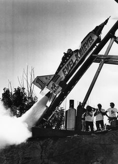 houseofevel:SkyCycle X2 test firing.photo by Dale Swanson - The Oregonian Sept 8, 1974.