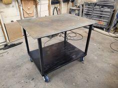 Welding Bench, Welding Table Diy, Welding Shop, Metal Welding, Welding Cart, Welding And Fabrication, Steel Fabrication, Cool Welding Projects, Metal Projects
