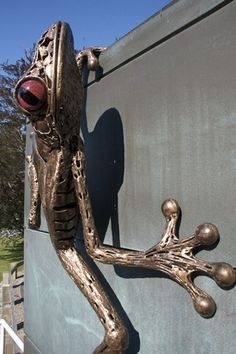 Tree Frog Sculpture by Chris Williams