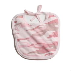 Buy for your baby a camo baby bib which are very soft made from pure cotton whose colors are stylish and absolutely wonderful for baby shower gifts. Camo Baby Clothes, Funny Baby Clothes, Camo Baby Stuff, Funny Babies, Babies Clothes, Little Cowboy, Cowboy Baby, Marine Corps Baby, Baby Jordans