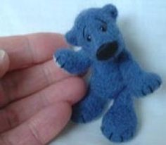 Needle Felting & Wet Felting Instructions | Beginner's Tutorials On How To Felt Wool By Hand.  Wool roving and tools all available through bloomingfelt.co.uk