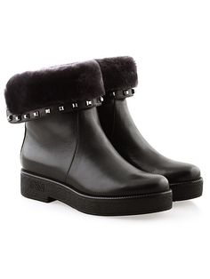 48 Everyday Shoes To Rock Your Winter Style - Shoes Sem High Heel Boots, Bootie Boots, Shoe Boots, Shoes Heels, High Heels, Pretty Shoes, Cute Shoes, Shoe Wardrobe, Everyday Shoes