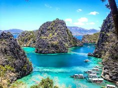 Coron is a haven for underwater things to do. Everything from snorkeling, island hopping, to wreck diving. These are the top things to do in Coron Palawan. Best Honeymoon Destinations, Honeymoon Spots, Travel Destinations, Coron Palawan Philippines, Philippines Beaches, Philippines Food, Lonely Planet, Coron Island, Philippines Travel Guide