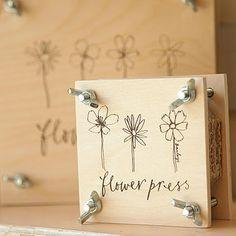 Flower press favor.
