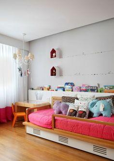 Cobertura Triplex by Izabela Lessa Arquitetura   HomeDSGN, a daily source for inspiration and fresh ideas on interior design and home decoration.