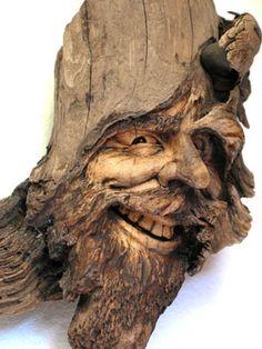 ORIGINAL TREE SPIRIT WOOD CARVING DOUBLE KNOT. OAK NANCY TUTTLE.  A jolly looking fellow!