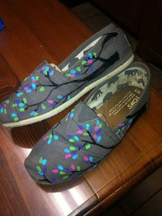 Custom hand painted toms by followdaisies on Etsy, $35.00