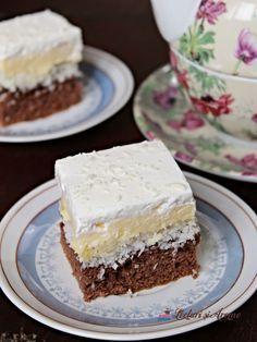 fPrajitura Floare de colț - prăjitură fină cu cremă vanilie Cookie Desserts, Sweet Desserts, No Bake Desserts, Eat Dessert First, Dessert Bars, Cake Recipes, Dessert Recipes, White Cakes, Pastry Cake