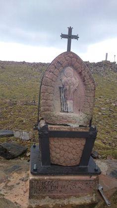 Monolito de San Lorenzo,restaurado y colocado hoy.