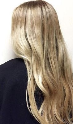 A seamless mix of butter and honey blonde highlights. Hair color by Gina Bottoni. Butter Blonde Hair, Blonde Hair Looks, Brown Blonde Hair, Blonde Honey, Medium Blonde, Platinum Blonde Balayage, Balayage Hair, Hair Highlights, Gorgeous Hair