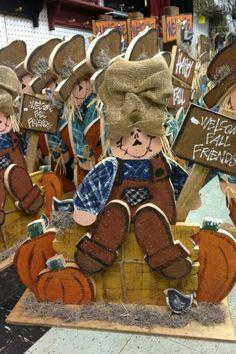 Cute scarecrow woodcraft. Fall craft.  Thanksgiving craft
