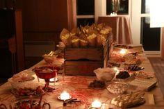 Ein godteribuffé er alltid suksess! Candy buffet Candy Buffet, Table Decorations, Home Decor, Decoration Home, Room Decor, Interior Design, Home Interiors, Candy Boxes, Interior Decorating