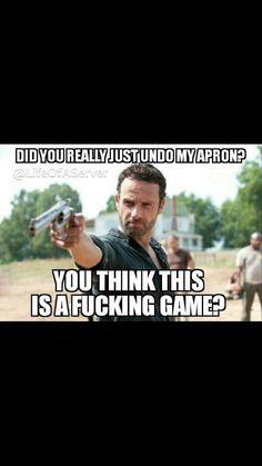 The Walking Dead Humor Waitress Humor, Waitress Problems, Server Memes, Server Humor, Walking Dead Funny, The Walking Dead, Work Memes, Work Humor, Restaurant Memes