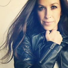 Alanis Morissette Is On Board! - Sensitive The Movie Jennifer Lopez, You Oughta Know, Alanis Morissette, Sex And Love, Ex Girlfriends, Female Singers, Girl Power, Fashion Beauty, Dating