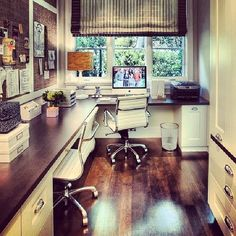 Home office.Great home office setting! For when multiple people are working from home, or kids studying. Home Office Space, Home Office Design, Home Office Decor, House Design, Home Decor, Office Ideas, Office Designs, Office Workspace, Office Spaces
