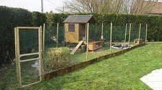 Construction d'un enclos pour poules, lapins, canards...