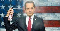 Tony Shalhoub es un republicano corrupto en BrainDead
