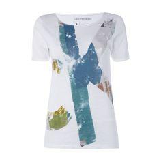 #Calvin #Klein #Jeans #T-Shirt mit #Logo-Print für #Damen - Damen T-Shirt von Calvin Klein Jeans, Reine Baumwolle, Leicht taillierter Schnitt, Rundhalsausschnitt mit gerolltem Abschluss, Fixierte Ärmelaufschläge, Künstlerisch gestalteter Logo-Print, Rückenlänge bei Größe S: 63 cm