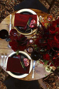 Dark Red Wedding, Black Wedding Themes, Gold Wedding Theme, Burgundy Wedding, Wedding Colors, Wedding Blog, Wedding Decor, Witch Wedding, Rustic Wedding