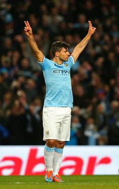 Sergio Aguero we city fans need to learn what the argentina fans sing bad moon rising its on u tube they sing it in brazil in a food court its brilliant Football Drills, Football Boys, Football Players, Joe Mercer, City Of Manchester Stadium, Sergio Aguero, Kun Aguero, James Rodriguez, English Premier League