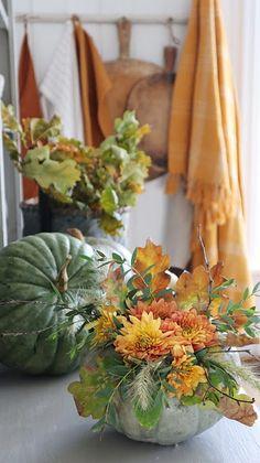 VIBEKE DESIGN: Høsten, en fantastisk tid ! Autumn Decorating, Fall Decor, Seasonal Decor, Vibeke Design, Swedish Style, Pool Houses, Scandinavian, Bouquet, Pumpkin