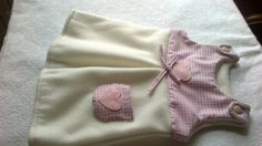 S camiciato in pile per neonata con cuoricini e tasca
