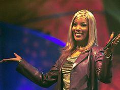 """24. November 2001: Melanie Thornton stürzt mit einer """"Crossair""""-Maschine in den Tod. Die Sängerin ist 34 Jahre alt."""
