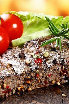 Peppered Minute Steak # Latin Food Recipe Share and enjoy! Minute Steak Recipes, Veal Recipes, Low Carb Recipes, Cooking Recipes, Healthy Recipes, Dinner Dishes, Dinner Recipes, Main Dishes, Minute Steaks