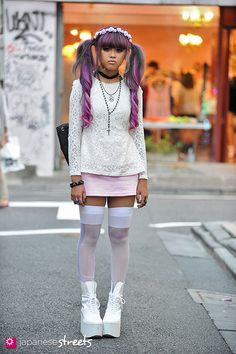 Harajuku street fashion | 120929-0898 - Japanese street fashion in Harajuku, Tokyo (Valentine, SPINNS, Bubbles, Tokyo Bopper)