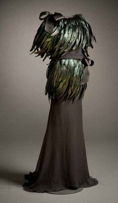 21 Ferocious Gowns Fit For An Evil Queen. I wish I could sew. I would make all of these.
