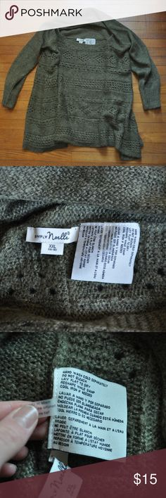 Simply Noelle 16-18 XXL Army Green Sweater Excellent used condition! Like New! Measures 24.5 inches from shoulder to hem, and approximately 24.5 inches across chest flat lay. Offers are welcome and bundling is encouraged. Lots of other items listed in my closet. Simply Noelle Sweaters Crew & Scoop Necks