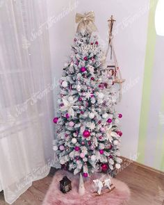 Ako ozdobiť vianočný stromček ? trendy pre rok 2020   Svet Stromčekov Trendy, Holiday Decor, Christmas Trees, Home Decor, White Christmas, White People, Colors, Hipster Stuff, Christmas Tree