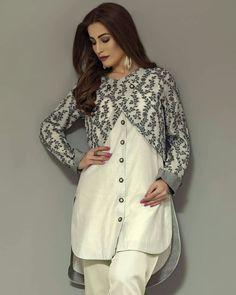Women jacket over women traditional suit Long jacket over suit Pakistani Fashion Casual, Pakistani Dresses Casual, Pakistani Dress Design, Casual Dresses, Pakistani Suits, Sleeves Designs For Dresses, Dress Neck Designs, Stylish Dress Designs, Frock Fashion