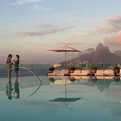 Breathtaking sunrise.  #2016 #riodejaneiro #pool #fasano