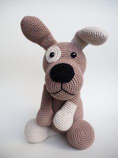 Weer een nieuw haakpatroon van KNUFL, dit keer een lief hondje. Hij heet Patches.  Crochet pattern Patches the dog by KNUFL