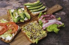 Recetas con aguacate Cool Kitchen Gadgets, Cool Kitchens, Churros, Vegan Vegetarian, Vegetarian Recipes, Canapes, Avocado Toast, Tapas, Food And Drink