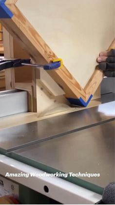 Unique Woodworking, Woodworking Joints, Woodworking Techniques, Easy Woodworking Projects, Popular Woodworking, Woodworking Shop, Woodworking Plans, Easy Projects, Woodworking Magazine