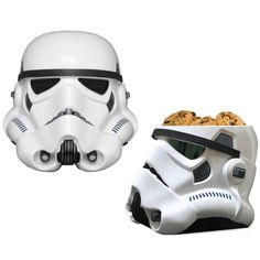 A ceramic cookie jar that looks like the helmet of a Stormtrooper from Star Wars. Now cookies will be fresh and safe for when you really want one. Star Wars Cookies, Ceramic Cookie Jar, Cookie Jars, Star Wars Stormtrooper, Darth Vader, Empire Cookie, Star Wars Memorabilia, Star Wars Merchandise, Tea Time Snacks