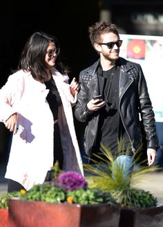 Selena Gomez And Zedd's Deep Love Put On Public Display In Atlanta, Georiga - http://oceanup.com/2015/01/25/selena-gomez-and-zedds-deep-love-put-on-public-display-in-atlanta-georiga/