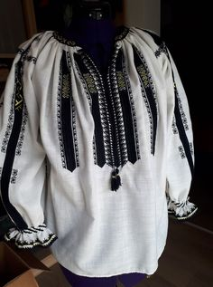 Pakistani Dresses, Anthropologie, Costumes, Traditional, Sweatshirts, Blouse, Crochet, Long Sleeve, Sleeves
