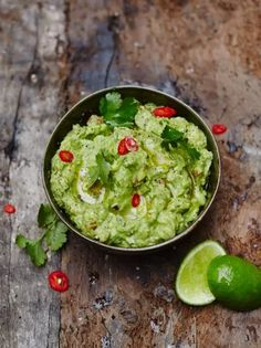 Ever wondered how to make guacamole? This is Jamie Oliver's best guacamole recipe. Perfect for dunking, spreading and dipping, guacamole is definitely the King of the Dips. Mexican Dishes, Mexican Food Recipes, Vegetarian Recipes, Cooking Recipes, Ethnic Recipes, Turkish Recipes, Vegetarian Tapas, Vegetarian Mexican, Tapas Recipes