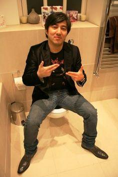 Goichi Suda 51 toiletron