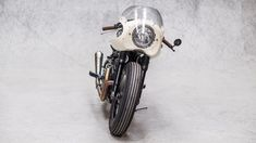 Moto Adonis Yamaha TR1 Cafe Racer