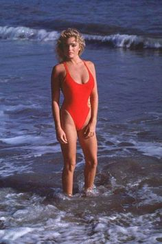 SHE shot to fame as the seriously sexy Shauni McClain in Baywatch and Erika Eleniak is still looking stunning as ever 26 years after she first starred in the much-loved show. Young Celebrities, Beautiful Celebrities, Celebs, Bikini Pictures, Bikini Photos, Erika Eleniak, Push Up Lingerie, Chico Fitness, Wesley